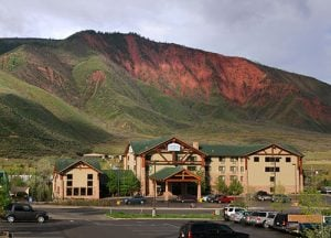 The Hotel Glenwood Springs