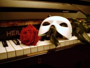 piano and mask