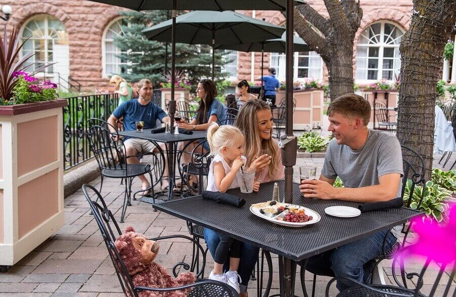 family dining in hotel colorado courtyard