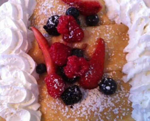 pancakes with fruit and cream