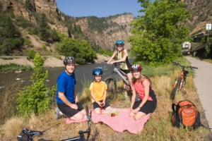 family picnic in glenwood canyon